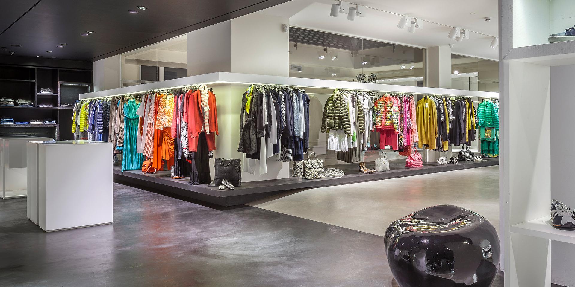 negozio boutique abiti marca colori ambiente interni